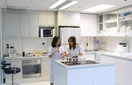 Business Unit ZI-LIFE opened a new Food & Fine Ingredients Application Laboratory at Ploenchit Office in May 2014